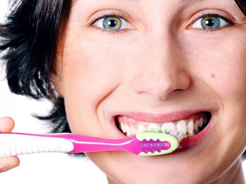 cepillarse bien los dientes
